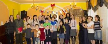 Жены послов: Австрии, Эстонии, Канады, Испании, Латвии, Евро союза вместе с детьми