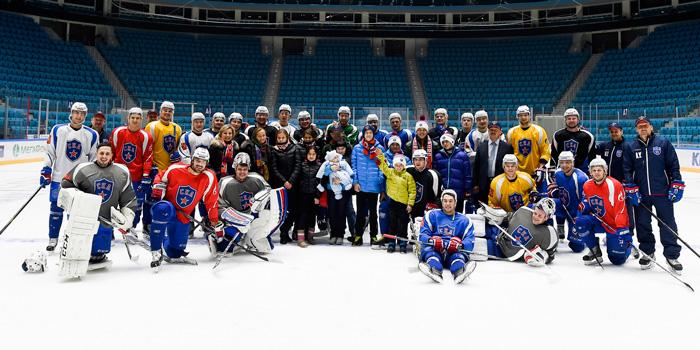 Дружба с хоккейной командой СКА